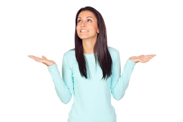 Jeune femme aux bras ouverts Photo Premium