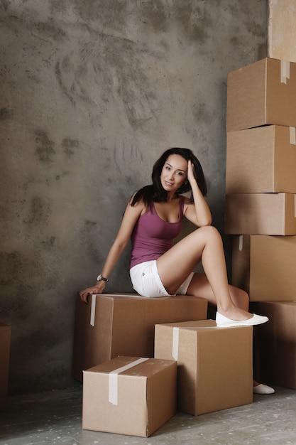 Jeune, Femme, En Mouvement, Nouveau, Appartement Photo gratuit