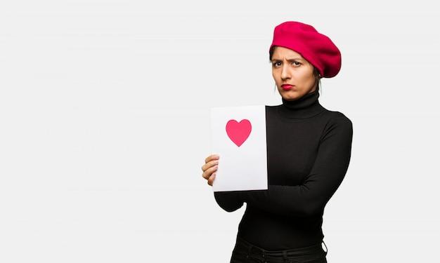 Jeune femme, saint valentin, croisement bras, détendu Photo Premium