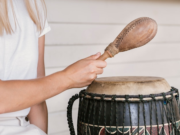 Jeune Femme, Tenue, Percussion Instruments Photo gratuit