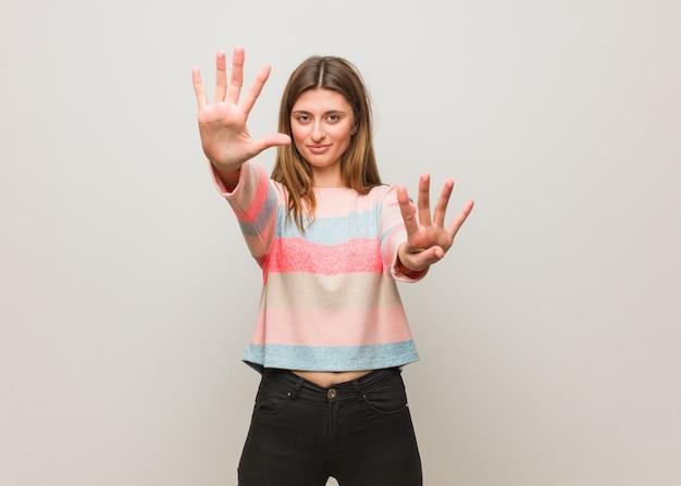 Jeune fille russe numéro neuf Photo Premium