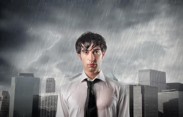 Jeune Homme D'affaires En Crise Photo Premium