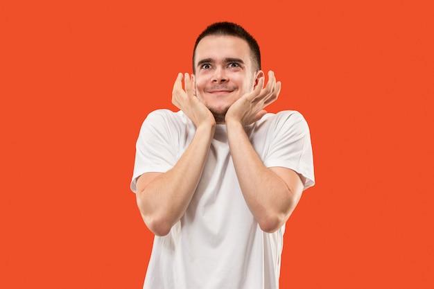 Jeune Homme Séduisant à La Surprise Photo gratuit