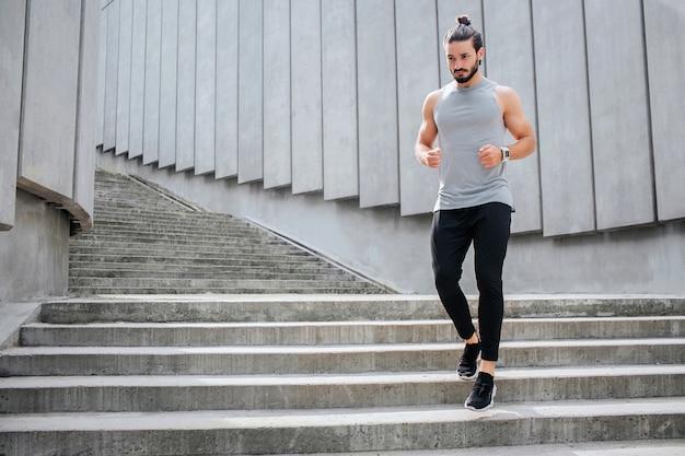 Jeune, Jogging, Escalier Photo Premium