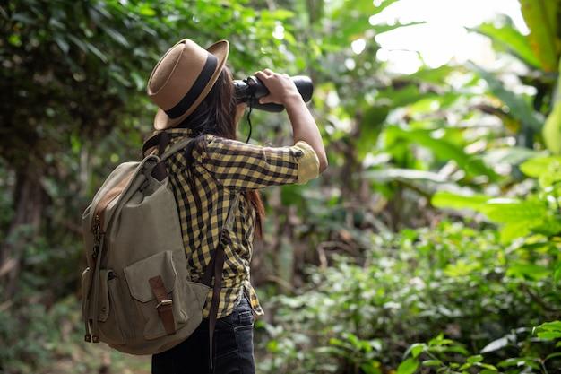 Jeune voyageur Photo gratuit