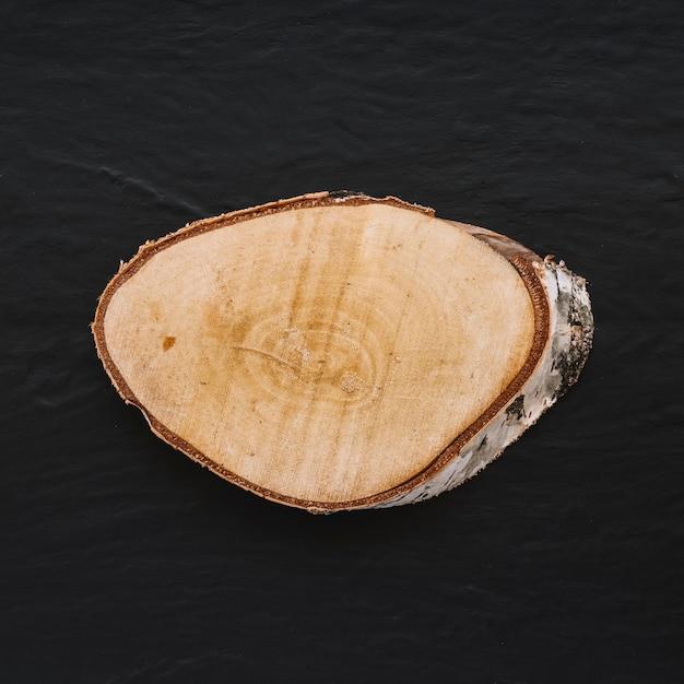 Joli morceau de bois coupé Photo gratuit