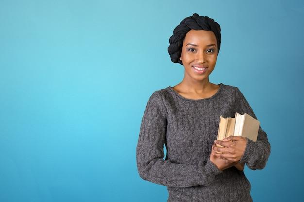 Jolie étudiante afro-américaine Photo Premium