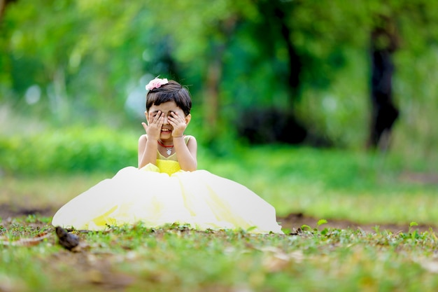 Jolie fille indienne Photo Premium
