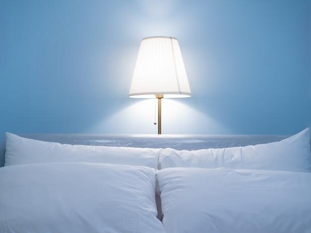 Jolie lampe de chambre dans la nuit Photo Premium