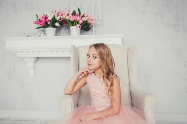 Jolie petite fille Photo Premium