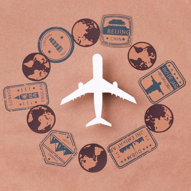 Journée Mondiale Du Tourisme Avec Avion Photo gratuit