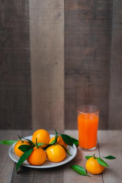 Jus D'agrumes Et Mandarine Fraîche Photo Premium
