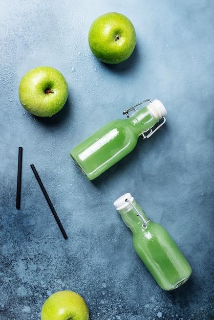 Jus Frais Aux Pommes Vertes Photo Premium