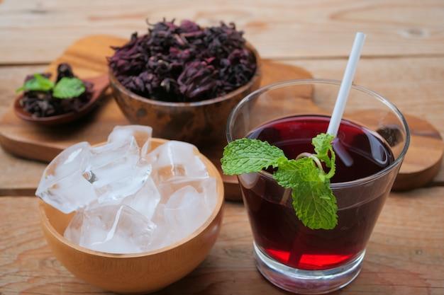 Jus de roselle frais (boisson saine) Photo Premium