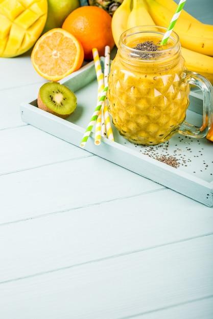 Jus de smoothie aux graines de chia Photo Premium