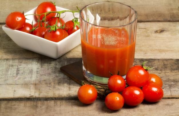 Jus de tomate Photo Premium