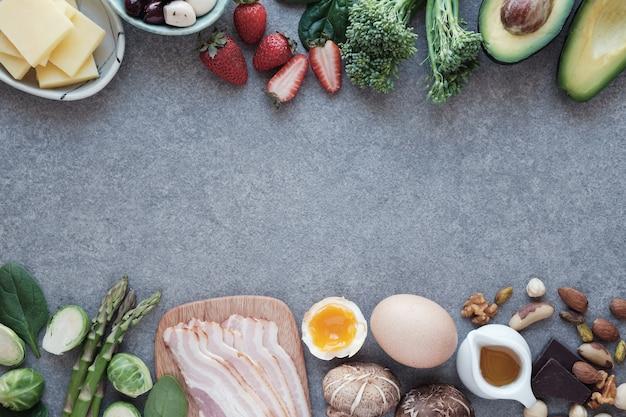 Keto, régime cétogène, faible teneur en glucides, aliments sains Photo Premium