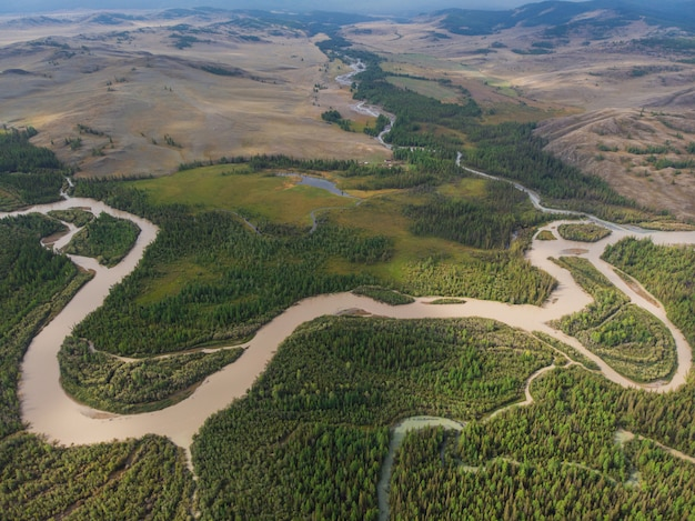 Kurai steppe et rivière chuya Photo Premium