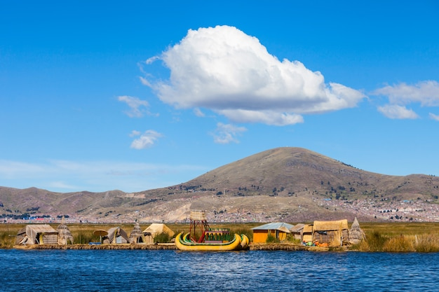 Lac titicaca Photo Premium