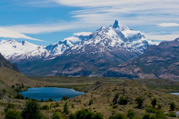 Lacs Et Andes De L'estancia Cristina Photo Premium