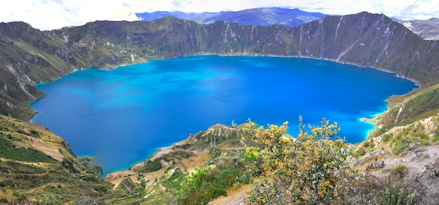 Lagon de quilotoa, équateur Photo Premium
