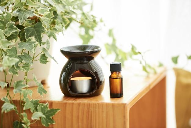 Lampe Aromatique Et Huile Essentielle Photo Premium