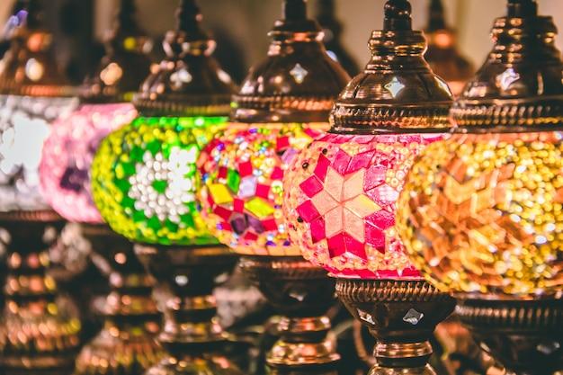 Lampes et lanternes de mosaïque marocaine ou turque Photo Premium