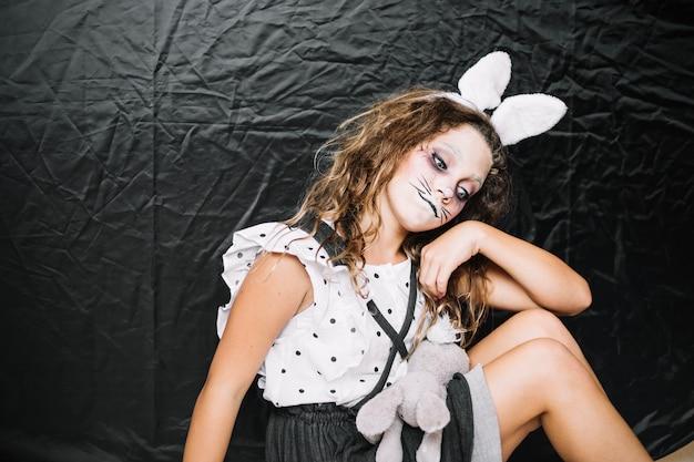 Lapin Triste Avec Lapin Photo gratuit