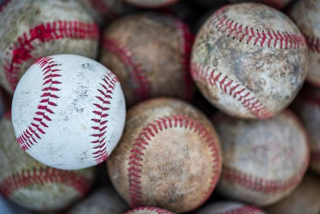 Lay Plat De Balles De Baseball Sales Photo gratuit