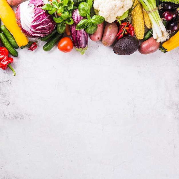 Légumes crus mûrs Photo gratuit