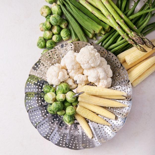 Légumes frais prêts à cuire Photo Premium