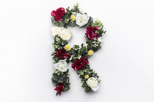 Lettre de fleur r monogramme floral photo gratuit Photo gratuit