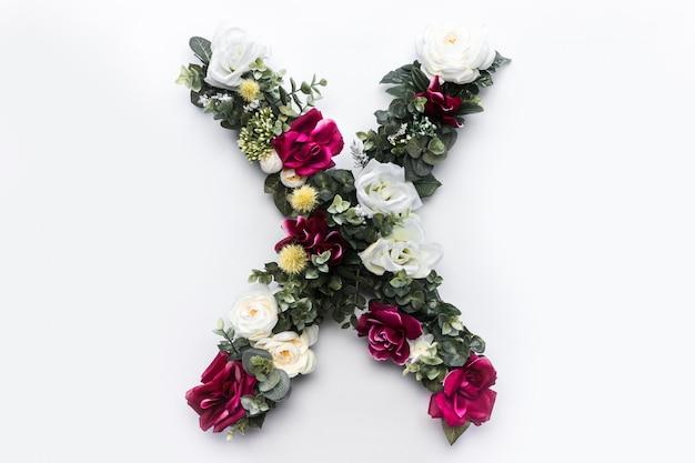 Lettre fleur x monogramme floral Photo gratuit