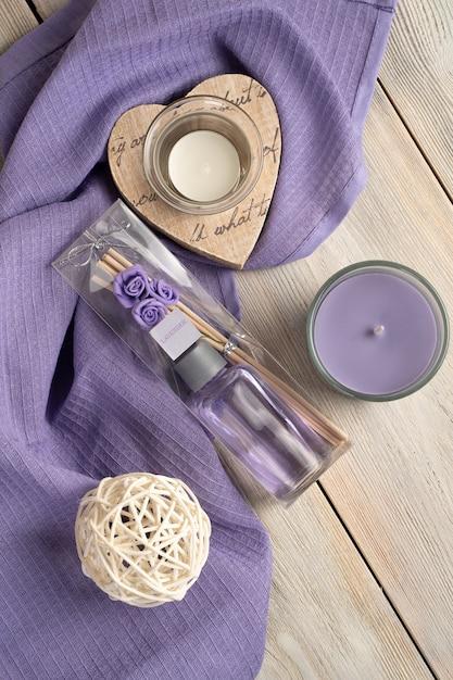 Leur Parfum Lavande Et Bougies Photo Premium