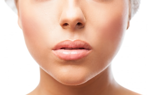 Lèvres Femme En Gros Plan Photo gratuit