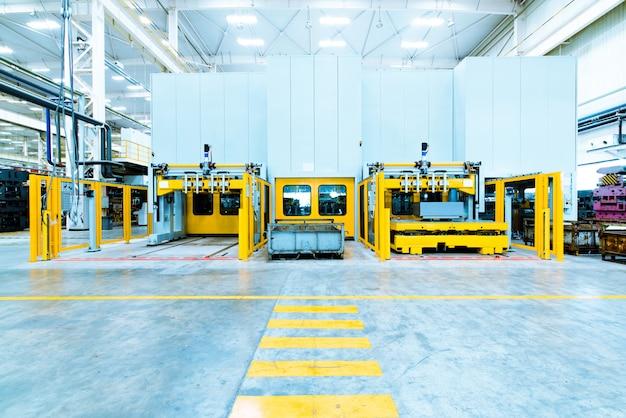 Ligne d'assemblage automatisée moderne pour voitures Photo Premium