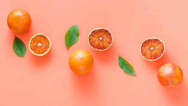 Ligne des oranges vue du dessus Photo gratuit
