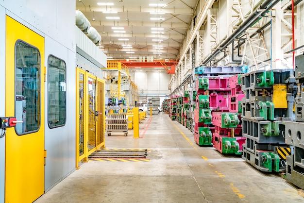 Ligne de production automobile Photo Premium