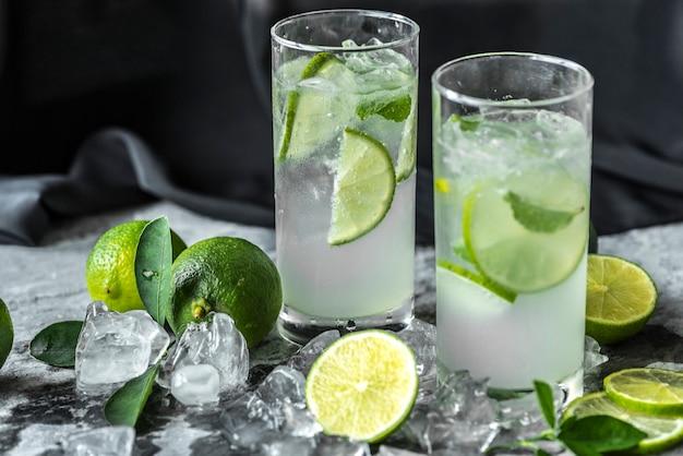 Lime fraîche boissons macro shot Photo gratuit