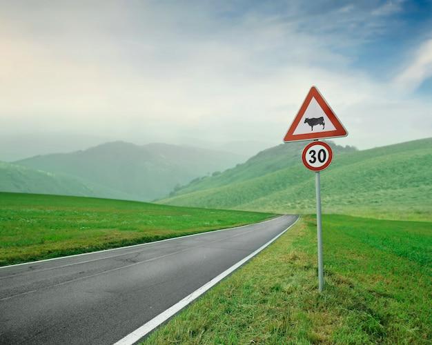 Limite de vitesse à la campagne Photo Premium