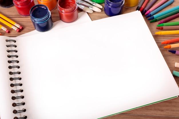 Livre d'art scolaire Photo gratuit