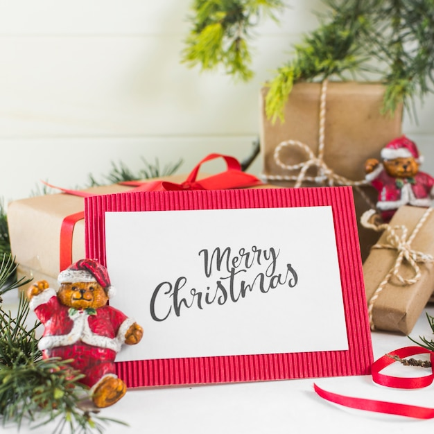 Livre Blanc Avec Inscription Joyeux Noël Photo gratuit