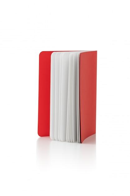 Livre sur fond blanc isolé Photo Premium
