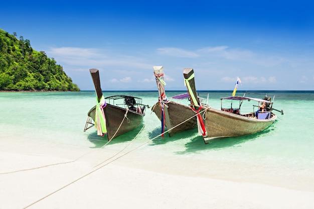 Longtail boats Photo Premium