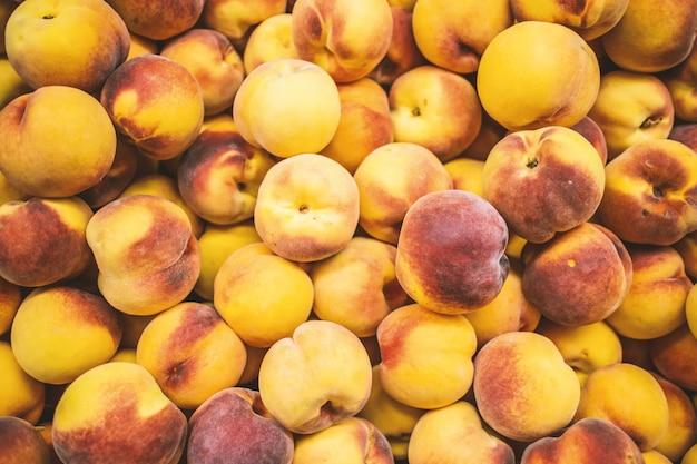Lot de peachs Photo gratuit