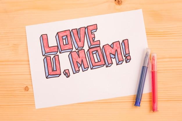 Love U Maman Carte De Papier Sur Bois Photo gratuit