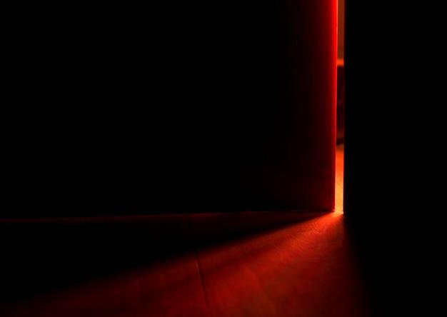 Lumière D'une Porte Ouverte Photo gratuit
