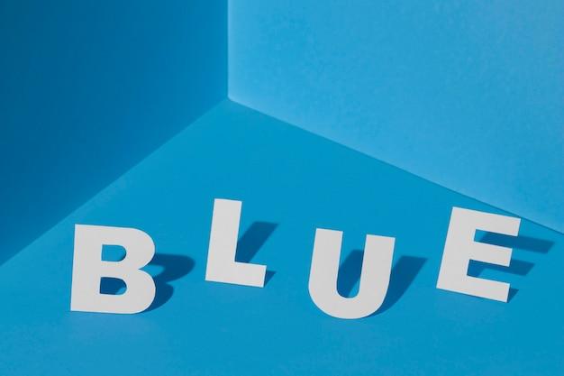 Lundi Bleu Avec Des Lettres Photo Premium