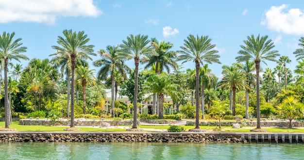 Luxueux manoir à miami beach, floride, états-unis Photo Premium