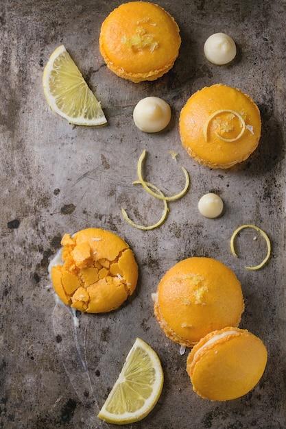 Macarons Aux Agrumes Et Chocolat Blanc Photo Premium